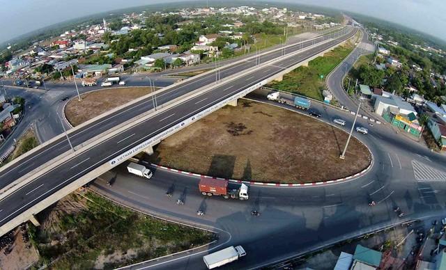 Hơn 60.000 tỷ đồng phát triển hạ tầng giao thông huyện Nhơn Trạch - Ảnh 1.