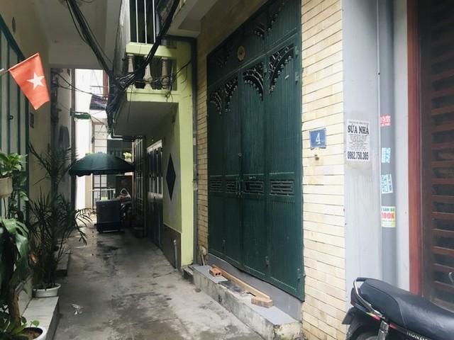 Nhịp sống trong ngõ trên phố Trương Định đang bị phong tỏa - Ảnh 3.