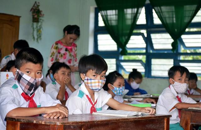 CẬP NHẬT: 14 tỉnh thành cho học sinh nghỉ phòng chống dịch, 33 tỉnh công bố lịch tựu trường, khai giảng - Ảnh 1.