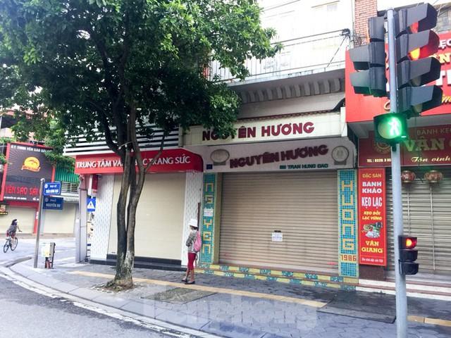 Thủ phủ bánh đậu xanh Hải Dương cửa đóng then cài vì dịch COVID 19 - Ảnh 1.