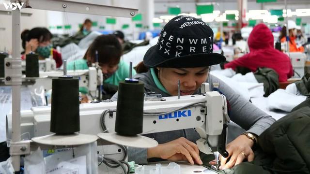 Lao động thất nghiệp có thể tăng 100.000 người mỗi tháng - Ảnh 1.