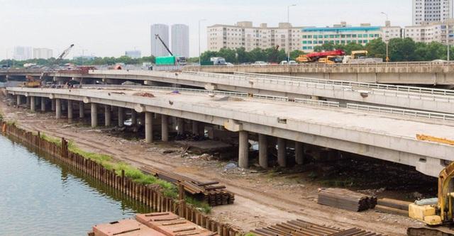 Hình ảnh cầu vượt thấp hồ Linh Đàm sắp thông xe - Ảnh 3.