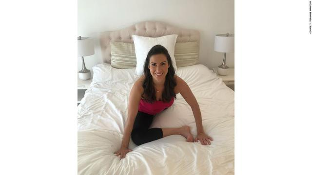 Tác dụng thần kỳ của 5 phút Yoga trước khi đi ngủ: Đơn giản, tiết kiệm chi phí nhưng cực kỳ hiệu quả với người ngồi cả ngày - Ảnh 6.