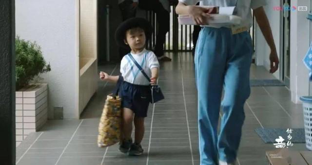 Trẻ 3 tuổi tự dậy sớm, mặc quần áo và xách đồ: Cách nuôi dạy con tuy khắc nghiệt nhưng giúp chúng tự lập mai sau của người Nhật  - Ảnh 3.