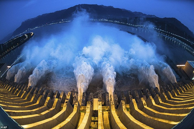Đập Tam Hiệp có đáng với cái giá Trung Quốc trả để thuần hóa sông Dương Tử? - Ảnh 2.