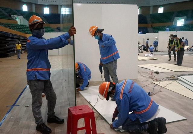 Cận cảnh: Bên trong cung thể thao được trưng dụng làm Bệnh viện dã chiến COVID-19 đầu tiên ở Đà Nẵng - Ảnh 9.