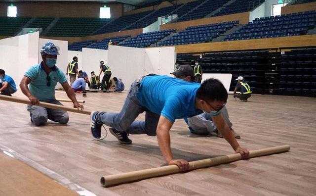 Cận cảnh: Bên trong cung thể thao được trưng dụng làm Bệnh viện dã chiến COVID-19 đầu tiên ở Đà Nẵng - Ảnh 10.