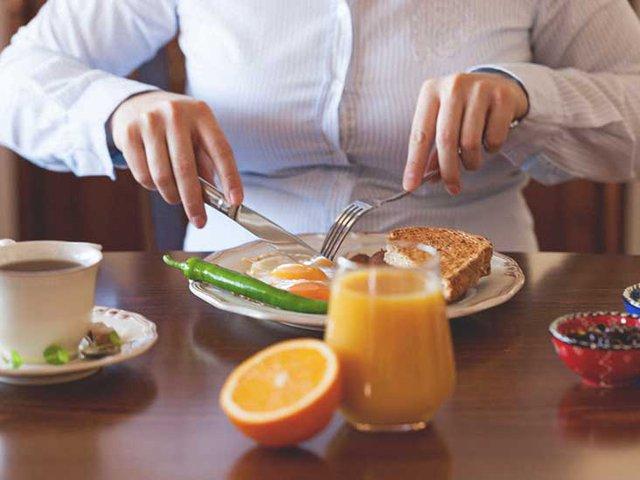Thức ăn tồn đọng trong dạ dày bao lâu trước khi được tiêu hóa hết? Bí mật này sẽ giúp bạn sắp xếp một chế độ ăn uống hoàn hảo - Ảnh 1.