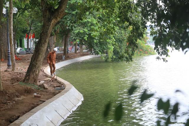 Hợp long công trình kè hồ Hoàn Kiếm bằng 1.500 khối bê tông cốt sợi - Ảnh 15.