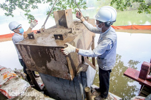 Hợp long công trình kè hồ Hoàn Kiếm bằng 1.500 khối bê tông cốt sợi - Ảnh 4.