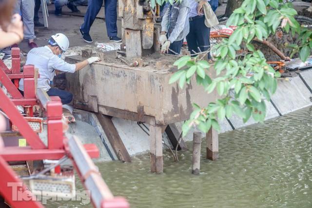 Hợp long công trình kè hồ Hoàn Kiếm bằng 1.500 khối bê tông cốt sợi - Ảnh 5.