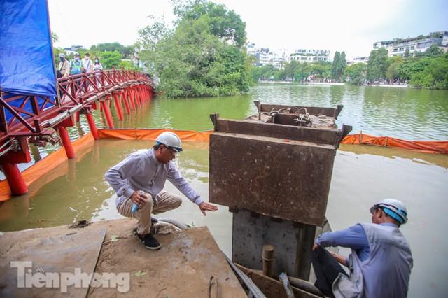 Hợp long công trình kè hồ Hoàn Kiếm bằng 1.500 khối bê tông cốt sợi - Ảnh 10.