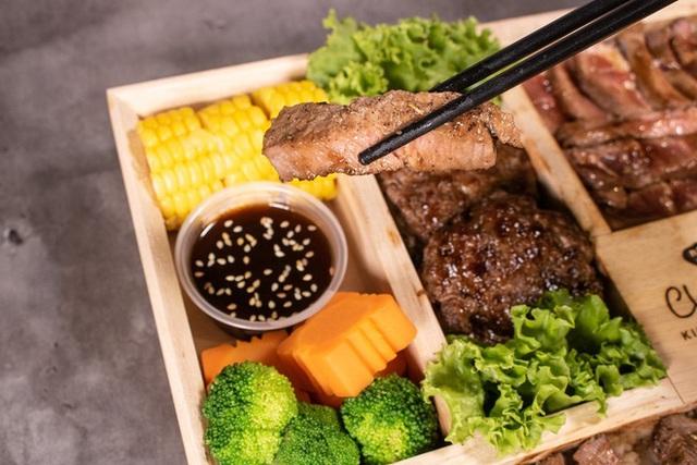 Bên trong hộp cơm đắt nhất Việt Nam, giá bán không thể tin nổi có những gì? - Ảnh 1.
