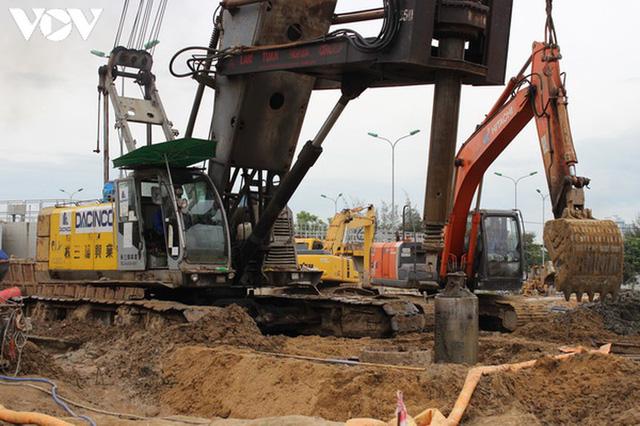 Nhiều công trình tại Đà Nẵng được thi công trở lại - Ảnh 1.