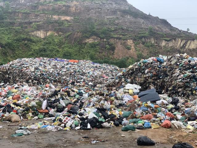 Lò đốt tiền tỷ vừa dùng đã bỏ không, hơn 2.000 tấn rác chất như núi - Ảnh 2.