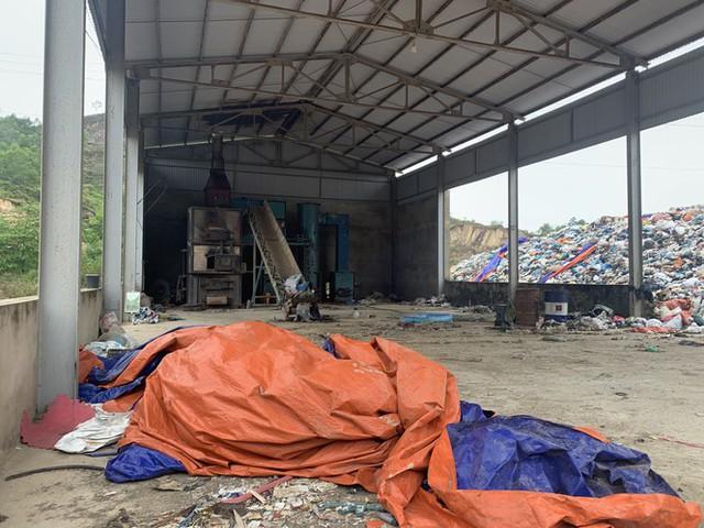Lò đốt tiền tỷ vừa dùng đã bỏ không, hơn 2.000 tấn rác chất như núi - Ảnh 5.