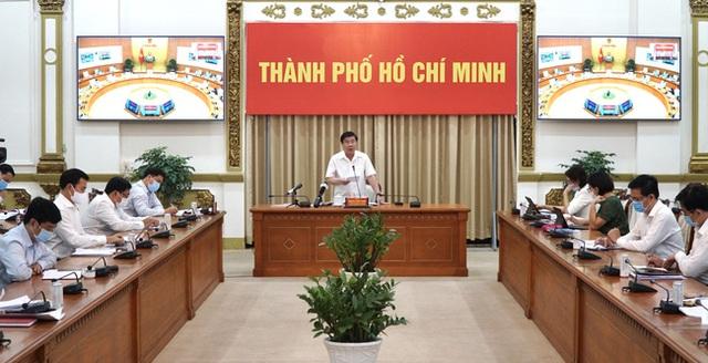 Đạt kết quả ấn tượng về giải ngân vốn đầu tư công tại TP.HCM, Chủ tịch UBND Nguyễn Thành Phong nêu 6 giải pháp giúp tăng tốc - Ảnh 1.