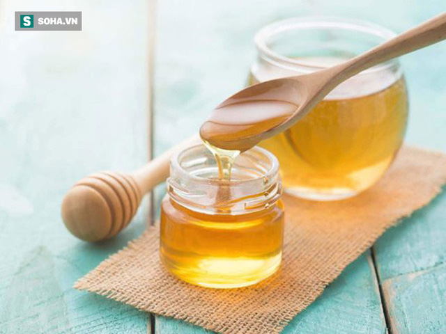 Chuyên gia ĐH Oxford: Mật ong chữa ho, cảm lạnh tốt hơn thuốc không kê đơn mà không có tác dụng phụ - Ảnh 1.