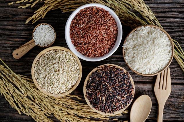 Chúng ta là tất cả những gì chúng ta ăn: Người khôn ngoan biết dùng 10 thực phẩm thay thế này để ăn lành mạnh, nhiều mà không lo thừa mỡ - Ảnh 1.