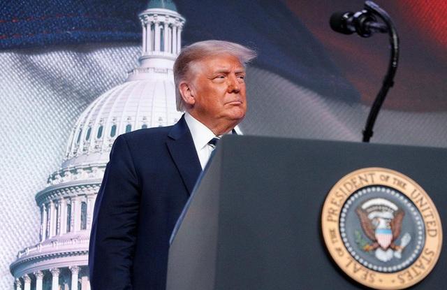 Tổng thống Trump dọa cắt đứt quan hệ thương mại với Trung Quốc - Ảnh 1.