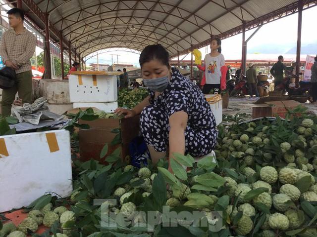 Lạng Sơn: Chợ na lớn nhất nước vào mùa - Ảnh 3.
