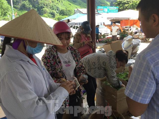 Lạng Sơn: Chợ na lớn nhất nước vào mùa - Ảnh 4.