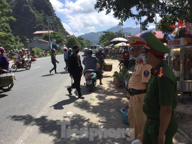 Lạng Sơn: Chợ na lớn nhất nước vào mùa - Ảnh 8.