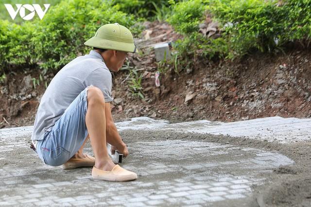 Sau hợp long bờ kè, Hà Nội gấp rút hoàn thiện vỉa hè xung quanh Hồ Gươm - Ảnh 10.