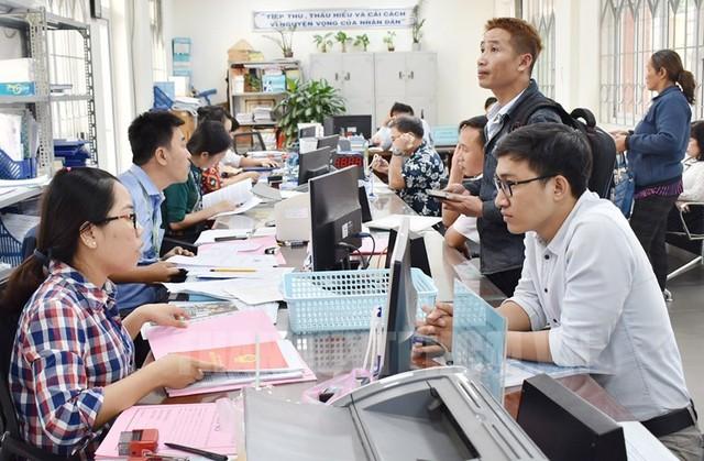 Đề xuất chính sách khuyến khích công chức, viên chức nghỉ hưu sớm - Ảnh 1.