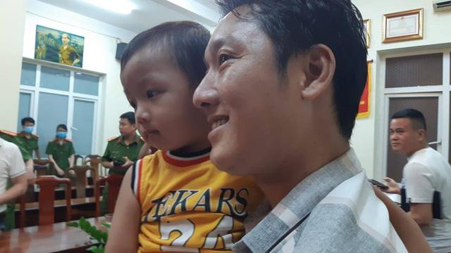 Từ vụ bắt cóc cháu bé 2.5 tuổi ở Bắc Ninh, hoảng hốt nhìn lại một nơi nguy hiểm không kém nhưng bố mẹ vẫn thường xuyên mắc sai lầm - Ảnh 1.