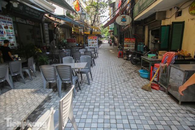 Cải tạo vỉa hè phố ẩm thực không ngủ ở Hà Nội - Ảnh 11.