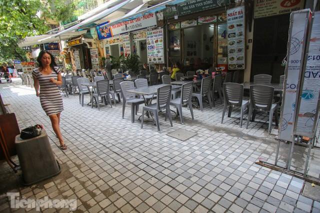 Cải tạo vỉa hè phố ẩm thực không ngủ ở Hà Nội - Ảnh 12.