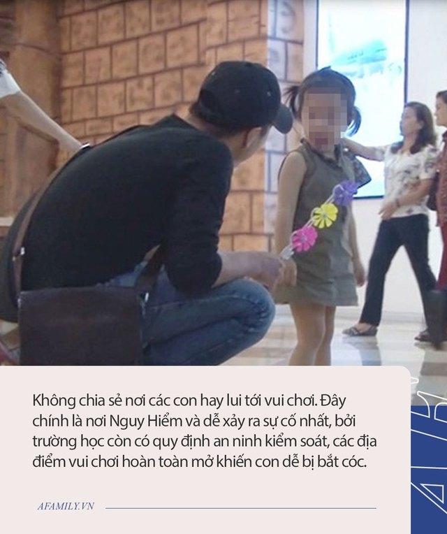 Từ vụ bắt cóc cháu bé 2.5 tuổi ở Bắc Ninh, hoảng hốt nhìn lại một nơi nguy hiểm không kém nhưng bố mẹ vẫn thường xuyên mắc sai lầm - Ảnh 3.
