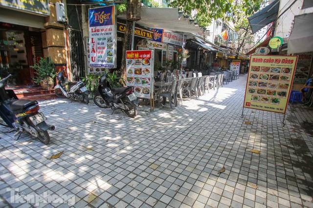 Cải tạo vỉa hè phố ẩm thực không ngủ ở Hà Nội - Ảnh 5.
