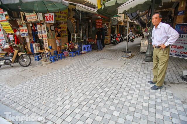 Cải tạo vỉa hè phố ẩm thực không ngủ ở Hà Nội - Ảnh 9.