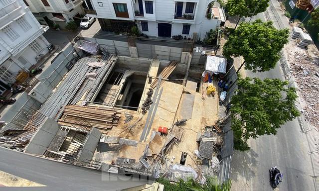 Xôn xao nhà ở riêng lẻ ở Hà Nội được cấp phép đến 4 tầng hầm - Ảnh 1.