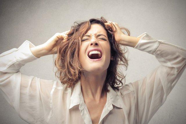 Đổ mồ hôi khi ngủ, dấu hiệu báo động của các vấn đề sức khỏe thường xuyên bị bỏ qua: Khi nào bạn cần đến gặp bác sĩ? - Ảnh 1.