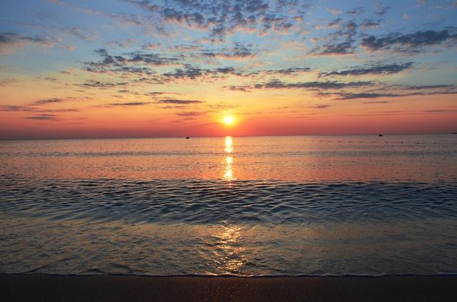 """Nhìn thấu nhân sinh qua """"lời dạy"""" của biển: Thế gian vô tận, an yên hay giông bão đều có lý do của nó! - Ảnh 1."""