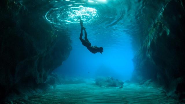 """Nhìn thấu nhân sinh qua """"lời dạy"""" của biển: Thế gian vô tận, an yên hay giông bão đều có lý do của nó! - Ảnh 2."""