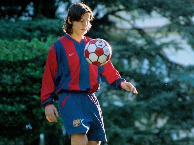 Bồi hồi nhìn lại cuộc hành trình đã qua của Messi với Barca: Gần 2 thập kỷ tận hiến, giành về vô số danh hiệu cùng kỷ lục - Ảnh 1.