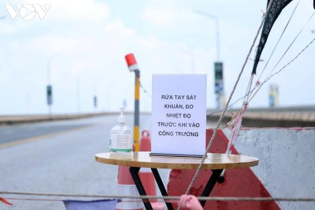Toàn cảnh đại công trường sửa chữa cầu Thăng Long, Hà Nội - Ảnh 12.