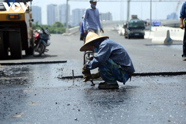 Toàn cảnh đại công trường sửa chữa cầu Thăng Long, Hà Nội - Ảnh 16.