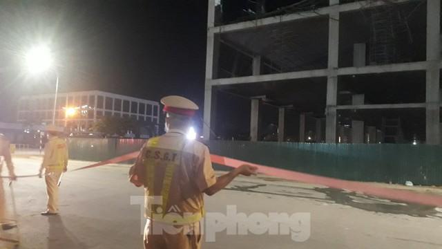 Sập trần công trình xây dựng đại lý ô tô ở thành phố Bắc Giang - Ảnh 1.