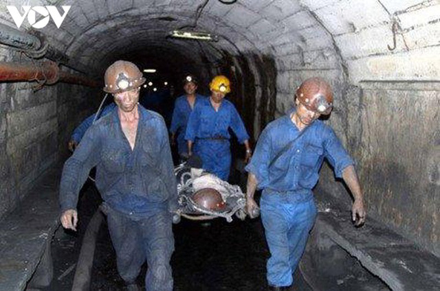 Một công nhân tử vong do tai nạn lao động tại công ty than Khe Chàm - Ảnh 1.