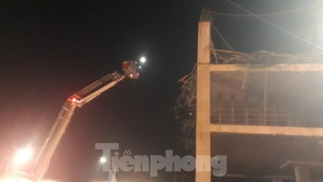 Sập trần công trình xây dựng đại lý ô tô ở thành phố Bắc Giang - Ảnh 3.
