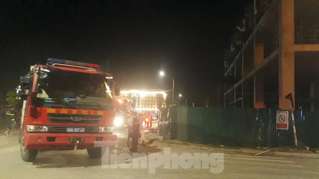 Sập trần công trình xây dựng đại lý ô tô ở thành phố Bắc Giang - Ảnh 4.