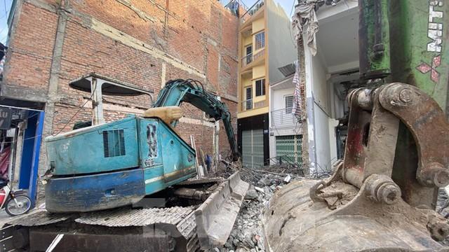 Người Sài Gòn dỡ nhà mặt phố bàn giao mặt bằng làm tuyến Metro Số 2 - Ảnh 4.