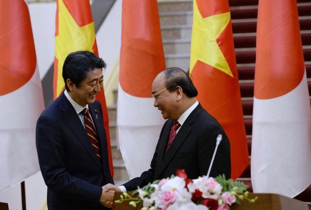 Ông Shinzo Abe từ chức: Chân dung vị thủ tướng Nhật nhiều thiện cảm với Việt Nam - Ảnh 1.
