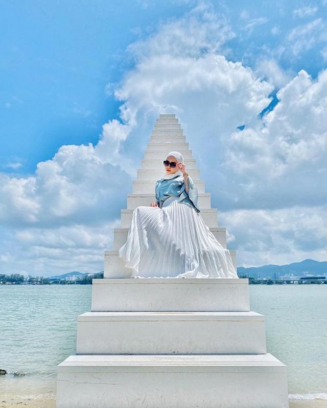 4 cầu thang vô cực kỳ ảo nhất thế giới, Việt Nam cũng có một đại diện trong danh sách - Ảnh 7.