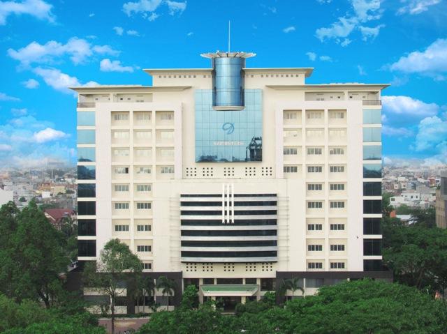 Trường SaigonTech bị ngân hàng rao bán để xử lý nợ - Ảnh 1.